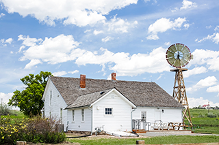 Parker Colorado Farmhouse Image 320px
